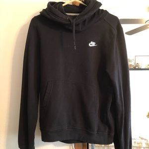 Black hooded Nike sweatshirt (size M)